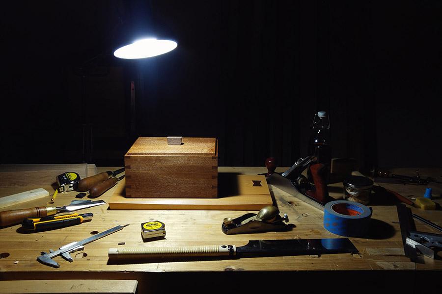 נגרות מסורתית שולחן עבודה