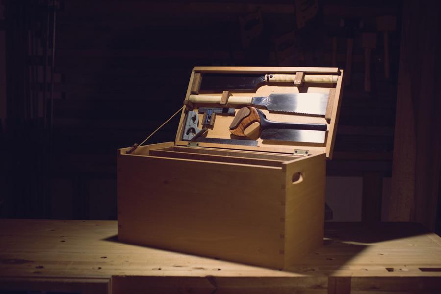 ארגז כלים יפה מעץ