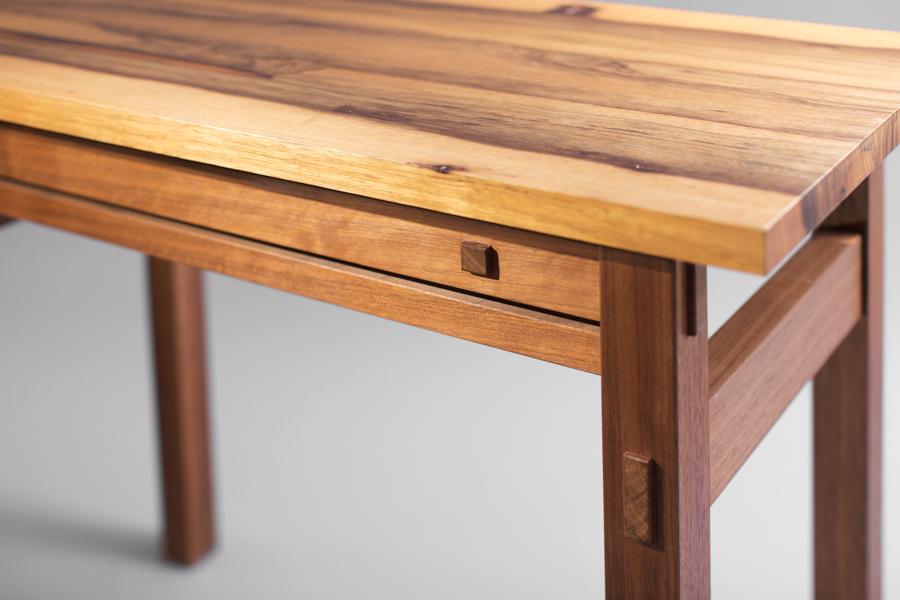 שולחן איפור מעץ מלא אגוז